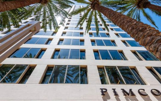 $2.2 Trillion Asset Manager Pimco to Begin Trading Cryptocurrencies, CIO Says